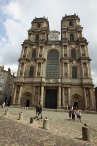 cathedrale-saint-pierre-rennes-d-gouray-3
